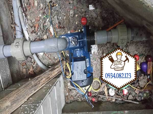 Lắp máy bơm nước đẩy cao
