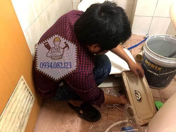 Sửa bồn cầu rò rỉ nước